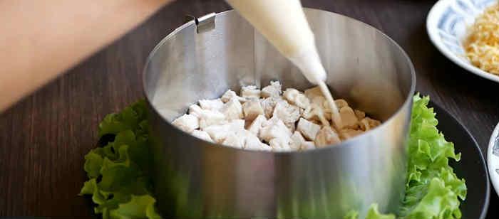 Salaty iz kopchenoj kuricy i chernosliva2