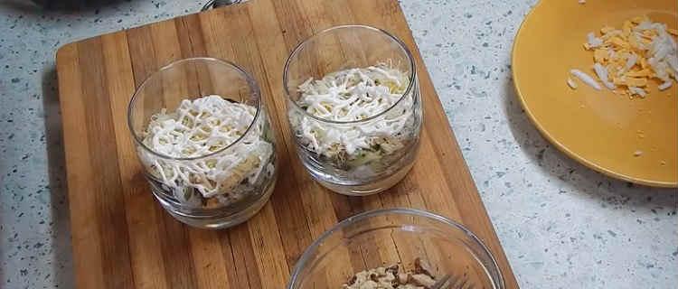 Salaty iz kopchenoj kuricy i chernosliva24-1