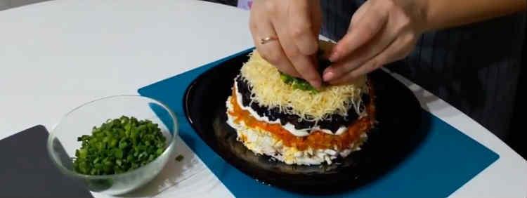 Salaty iz kopchenoj kuricy i chernosliva40