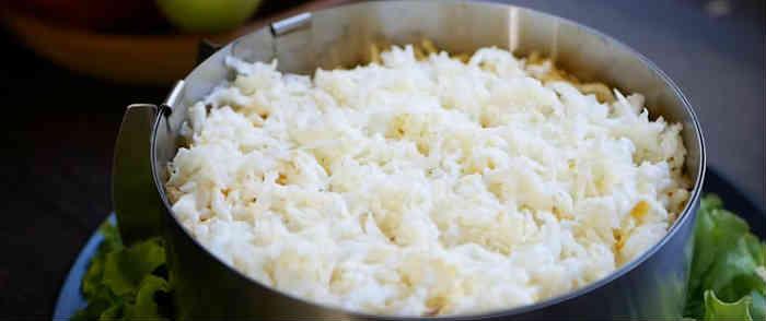 Salaty iz kopchenoj kuricy i chernosliva7