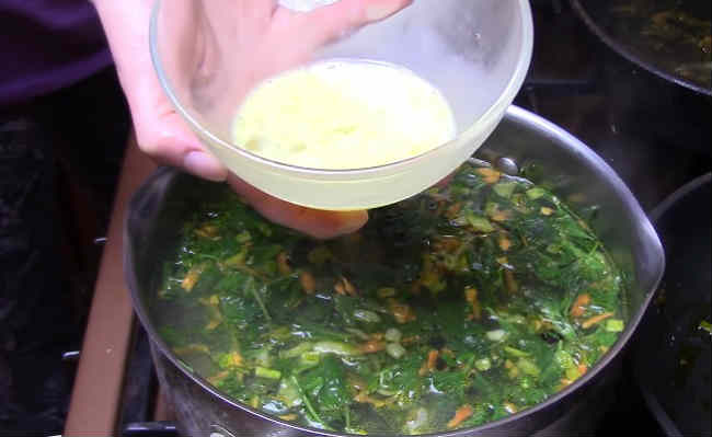 Sup s krapivoj i yajcom10