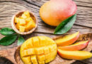 Как правильно выбрать манго, почистить, нарезать и съесть его