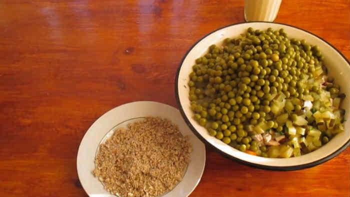 Salat oliv'e s kuricej44