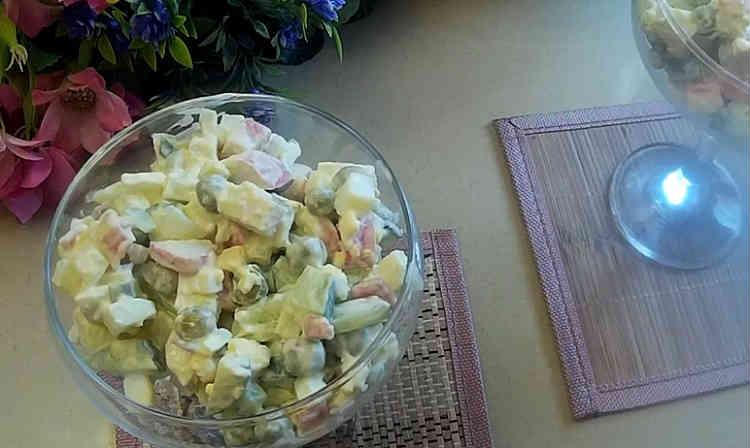 Salat s goroshkom konservirovannym i yajcom18