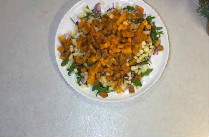 Salat s hurmoj9