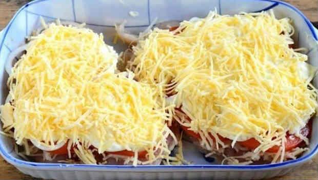 Kurica s syrom i pomidorami v duhovke10