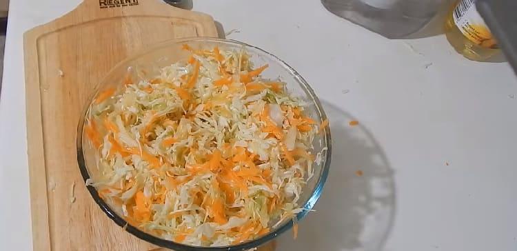 Salat iz svezhej kapusty s morkov'yu20
