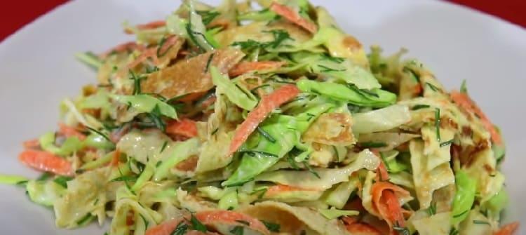 Salat iz svezhej kapusty s morkov'yu33