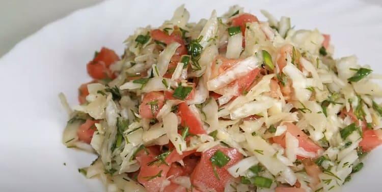Salat iz svezhej kapusty s morkov'yu35
