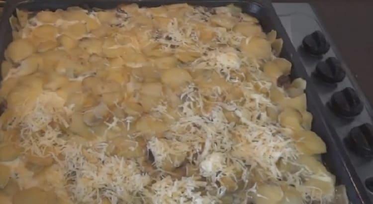 Kartofel'naya zapekanka s farshem v duhovke24