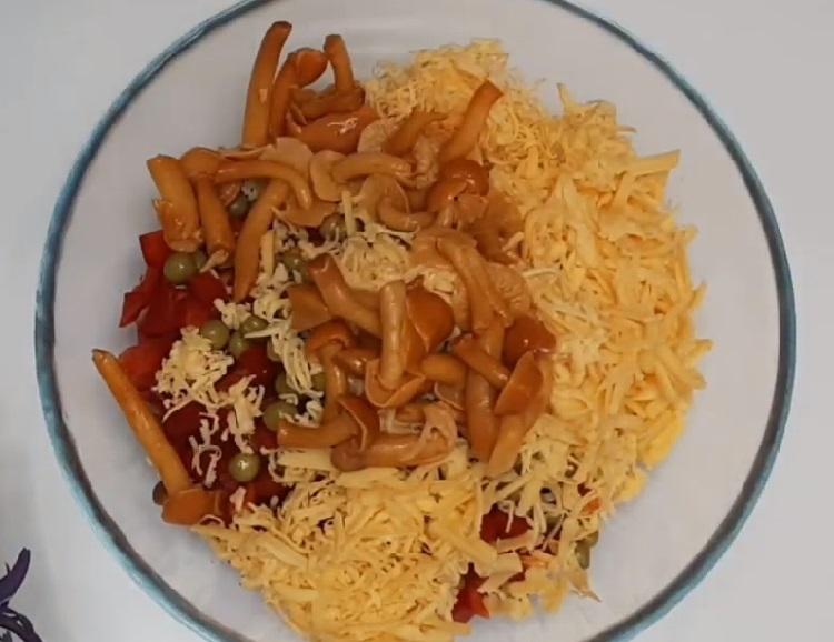 Salat s marinovannymi opjatami15