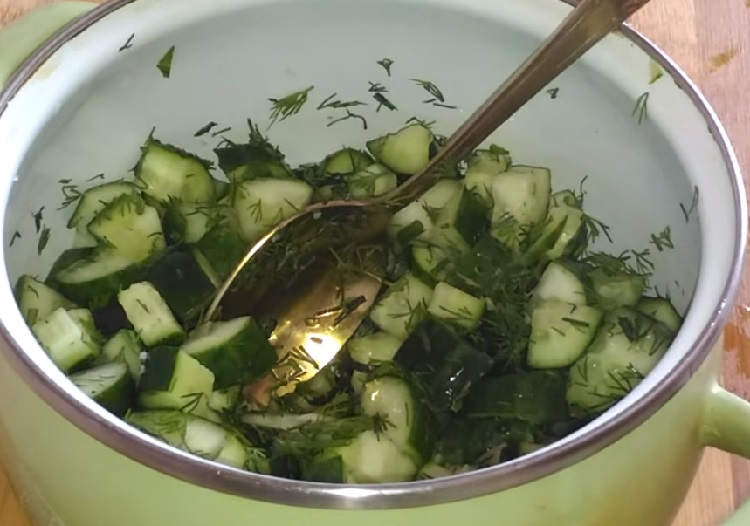 Salat s marinovannymi opjatami19