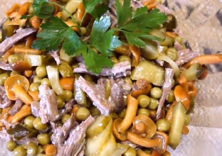 Salat s marinovannymi opjatami32